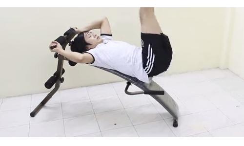 Bài tập cơ bụng dưới với ghế cong tập bụng