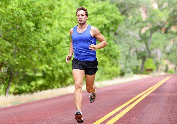 Chạy bộ 30 phút đốt cháy bao nhiêu calo? Cần lưu ý gì khi tập?