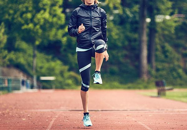 Chạy bộ cao chân giúp giảm mỡ bụng