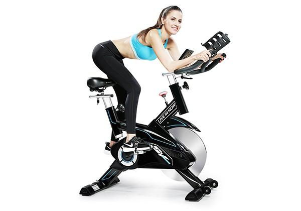 Tập HIIT với xe đạp thể dục