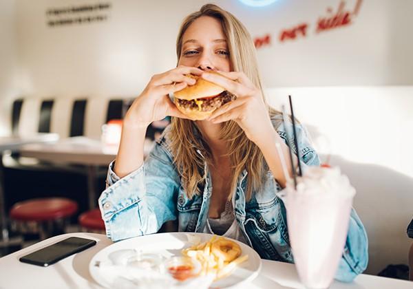 Ăn nhanh nhai nhanh giúp tăng cân