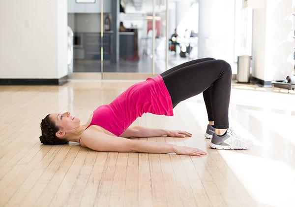 Các bài tập nâng mông chảy xệ tại nhà cho nữ hiệu quả tốt Nhất