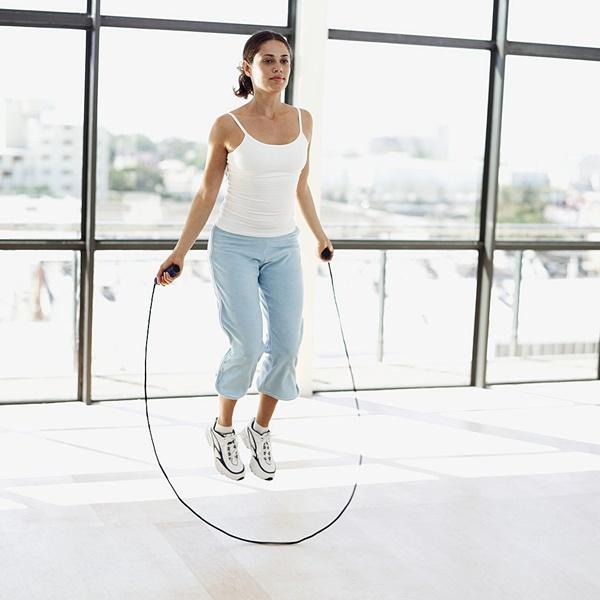 bài tập thể dục toàn thân buổi sáng nhảy dây