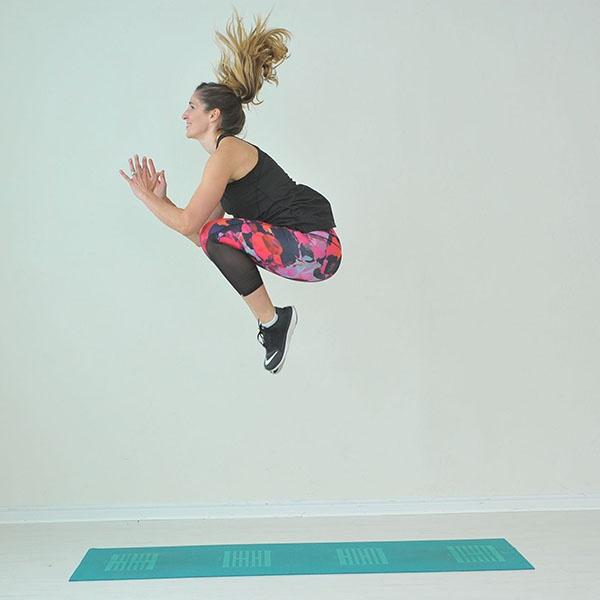 Bài tập Tuck Jumps