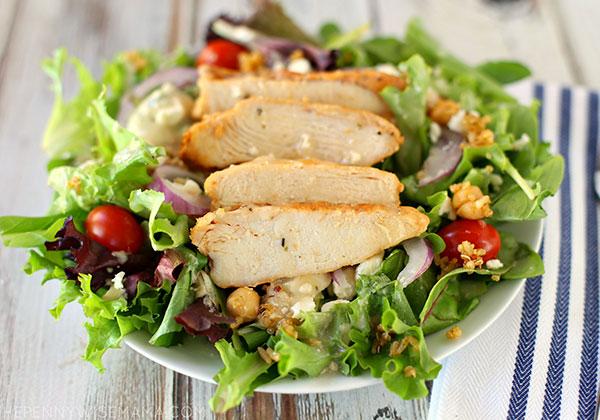 Cách làm Salad ức gà giảm cân với rau củ