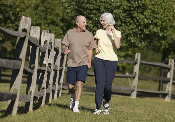 Đi bộ giúp kéo dài tuổi thọ