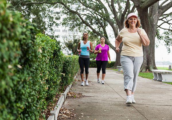 Đi bộ nhanh tăng khả năng miễn dịch