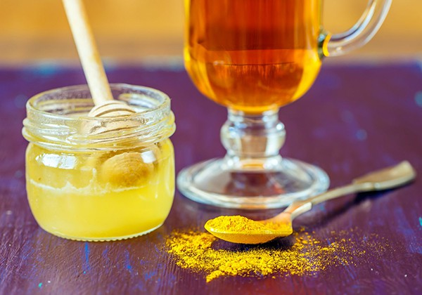 Giảm cân bằng mật ong và tinh bột nghệ