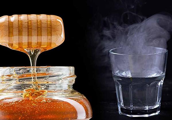 Nước ấm pha mật ong giúp giảm cân