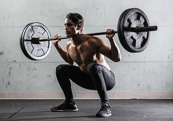 Tập Barbell Squat tăng Testosterone