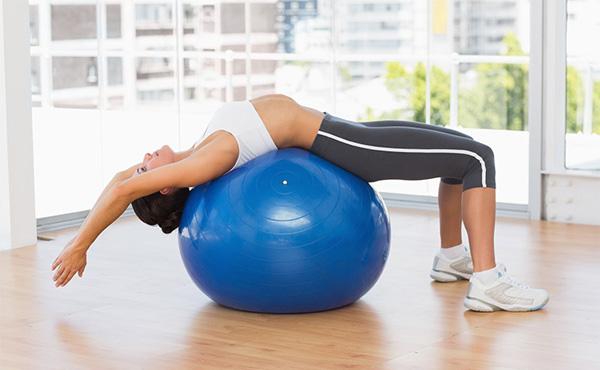 Cách chọn bóng tập Yoga chi tiết, phù hợp nhất cho người Mới
