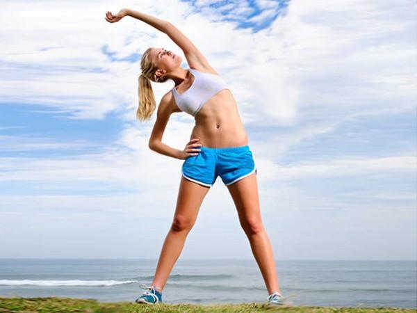 Tập bụng bị đau lưng do không khởi động