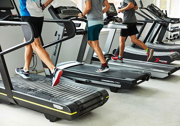 Tập Cardio với máy chạy bộ