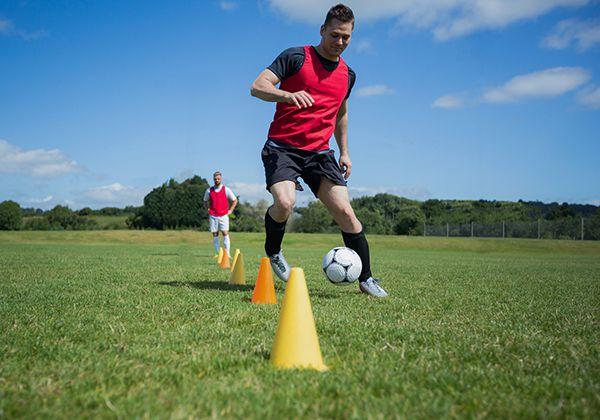 Tập dẫn bóng trong bóng đá