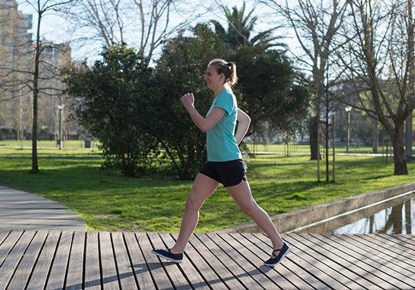 Tư thế đi bộ giảm cân