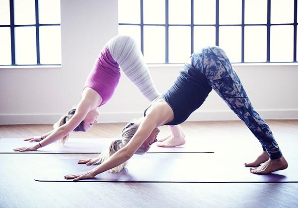 Các bài tập Yoga buổi tối tại nhà giúp thư giãn và ngủ ngon hơn