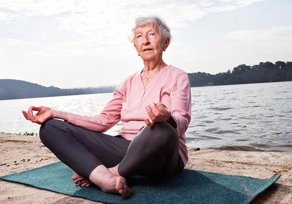 Các bài tập Yoga cho người cao tuổi dễ áp dụng, hiệu quả Nhất
