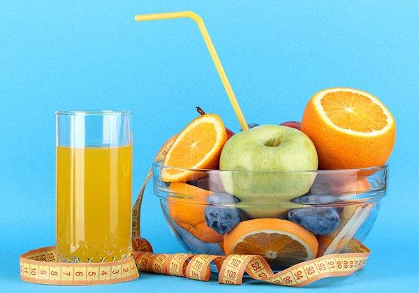 Uống nước ép hoa quả tăng vòng 1
