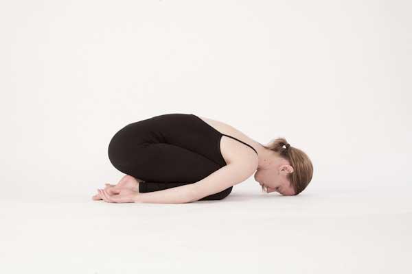 Tư thế Yoga em bé