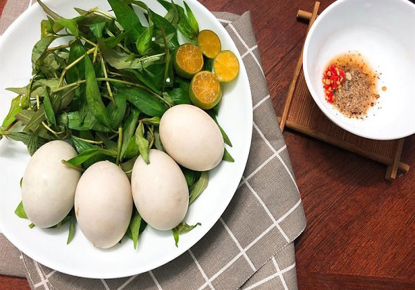 Ăn trứng vịt lộn có tăng cân không? Ăn thế nào là đúng cách?