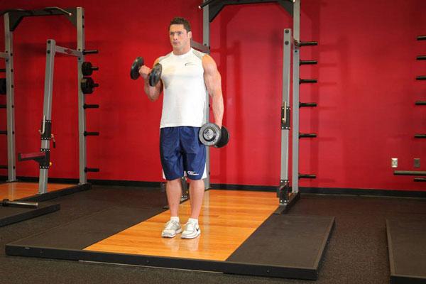 Bài tập Alternating Hammer Curl tăng sức mạnh cơ bắp tay trước hiệu quả