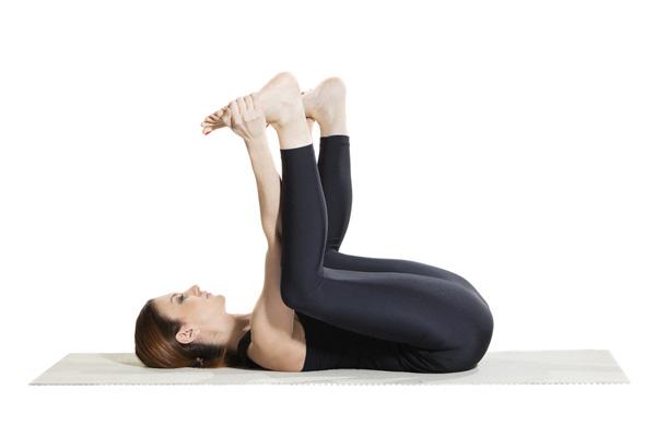 Bài tập Yoga Ananda Balasana