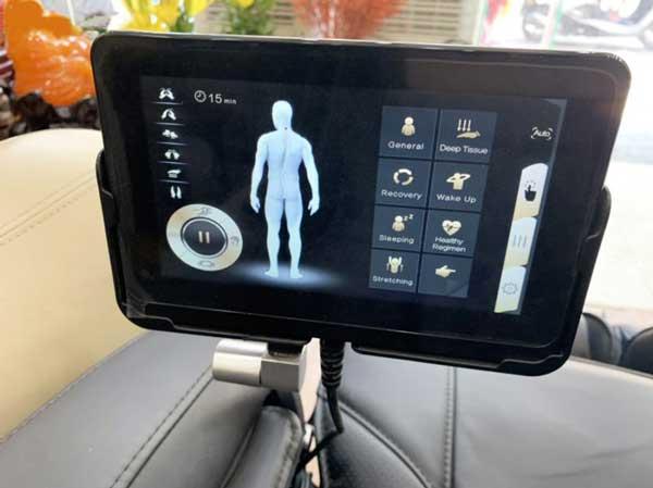Bảng điều khiển trên ghế massage Okazaki OS 600