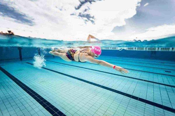 Bơi lội giúp cải thiện giấc ngủ