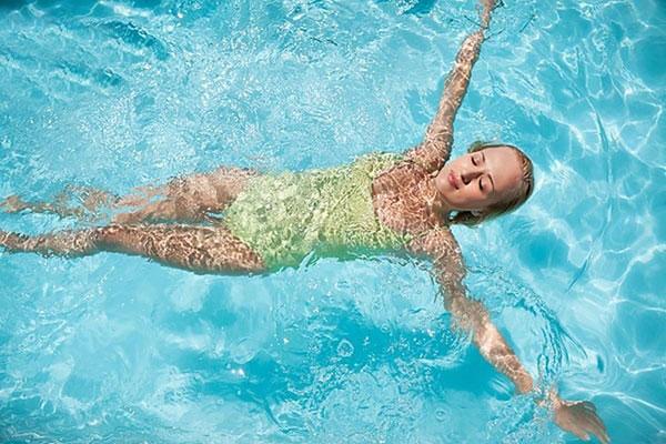 Bơi lội giúp giải tỏa áp lực, stress hiệu quả