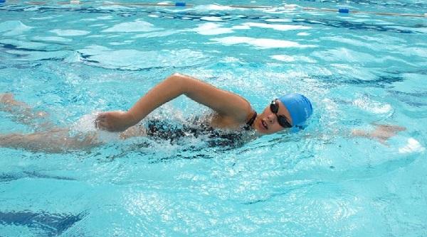Bơi lội giúp tăng chiều cao