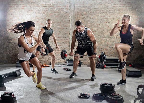 Thêm HIIT (luyện tập cường độ cao ngắt quãng) vào chương trình tập luyện