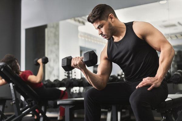 Lịch tập tăng cơ giảm mỡ nên chú trọng các bài tập Gym nặng