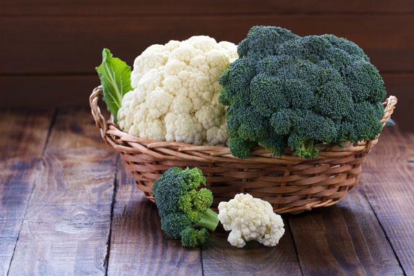Rau xanh, đặc biệt là rau họ cải hỗ trợ giảm mỡ bụng hiệu quả