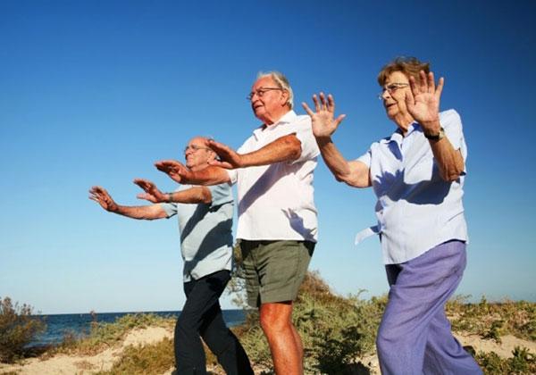 Tập hít thở cho người già