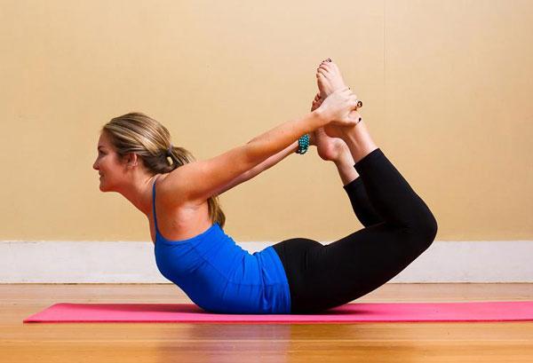 Tập Yoga tại nhà với tư thế cánh cung