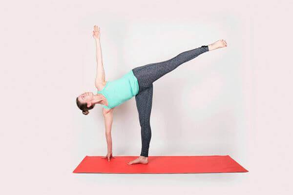 Tập Yoga tại nhà với tư thế nửa mặt trăng
