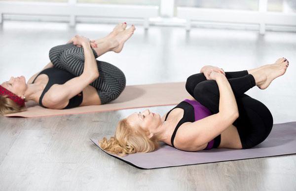 Tập Yoga tại nhà với tư thế xả hơi