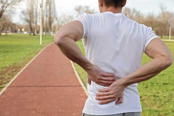 Chạy bộ bị đau lưng là như thế nào?