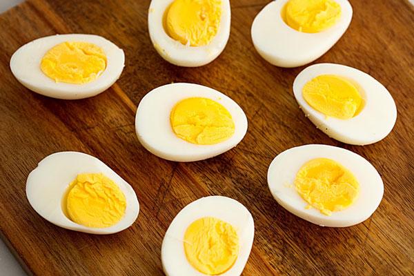 Trứng gà luộc tăng size vòng 1