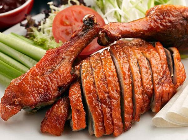 100g thịt vịt bao nhiêu calo? Cách ăn thịt vịt không sợ béo?