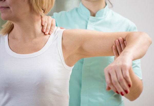 Tổn thương vùng xương quai xanh bạn cần phải làm thế nào?