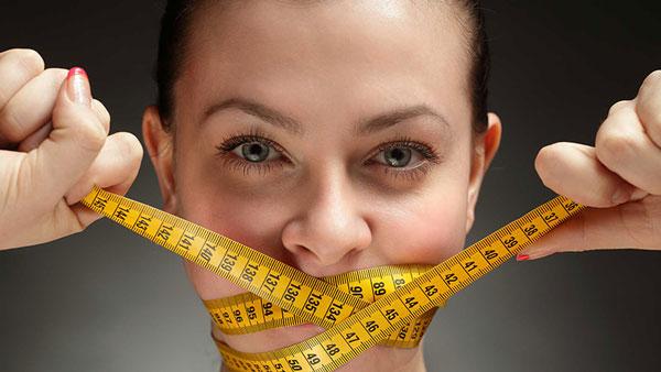 Nhịn ăn buổi trưa là cách giảm cân thiếu khoa học