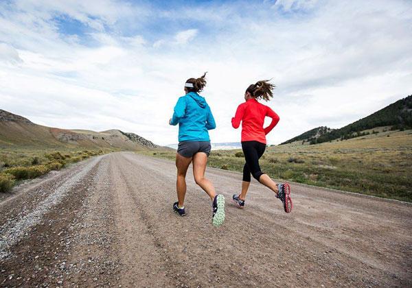 Chạy bộ giảm mỡ bụng đúng cách và hiệu quả nhất cho nam nữ