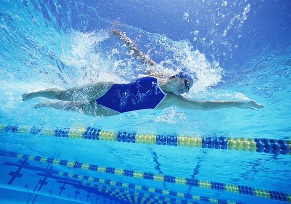 Bơi lội có giảm mỡ bụng không? Làm sao để giảm mỡ tốt nhất?
