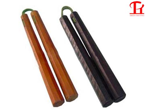 Côn nhị khúc gỗ