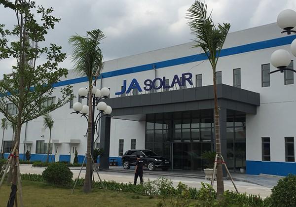 Thi công thảm trải sàn thể thao tại Công ty TNHH JA Solar