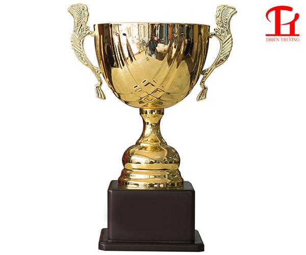 Cúp thể thao 8V0077 dùng trao giải giá rẻ ở Thiên Trường Sport
