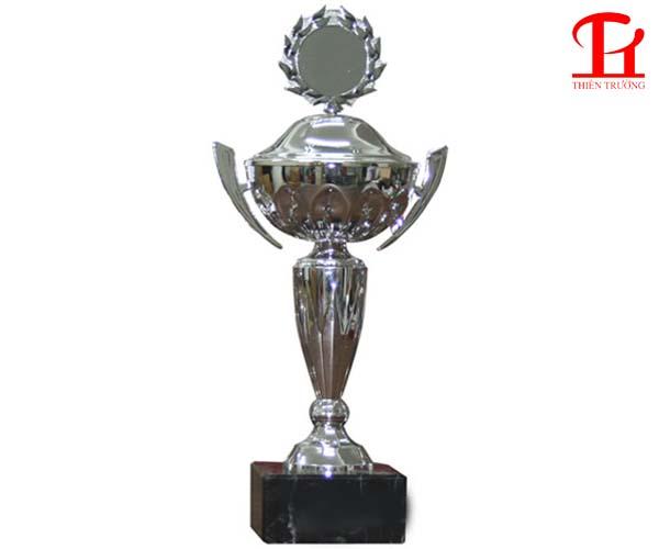 Cúp thể thao bạch kim 8B0119 dùng trao giải thưởng giá rẻ nhất