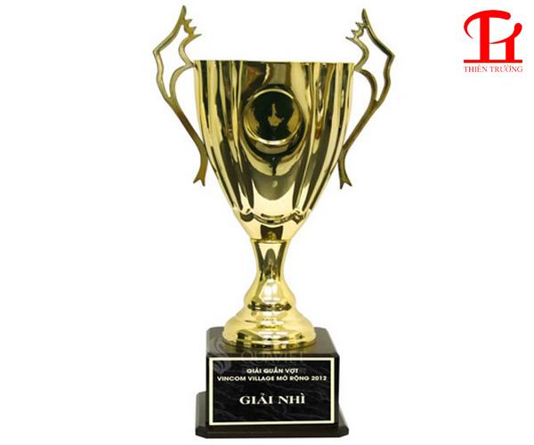 Cúp thể thao vàng 9V0028 dùng trao giải giá rẻ nhất Việt Nam !
