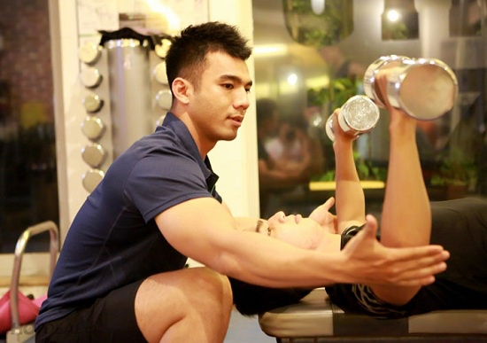Khắc phục tập thể hình bị đau lưng